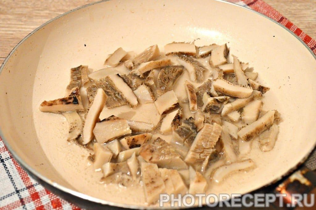 Фото рецепта - Жареная картошка с замороженными грибами - шаг 2
