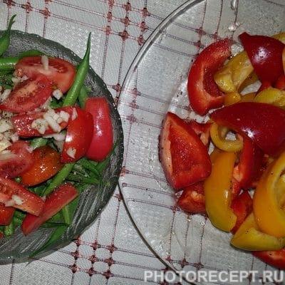 Фото рецепта - Картофель с овощами запеченный в духовке - шаг 3