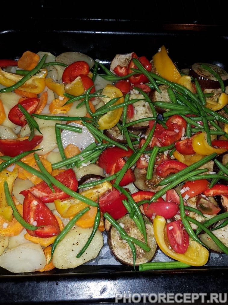 Фото рецепта - Картофель с овощами запеченный в духовке - шаг 4