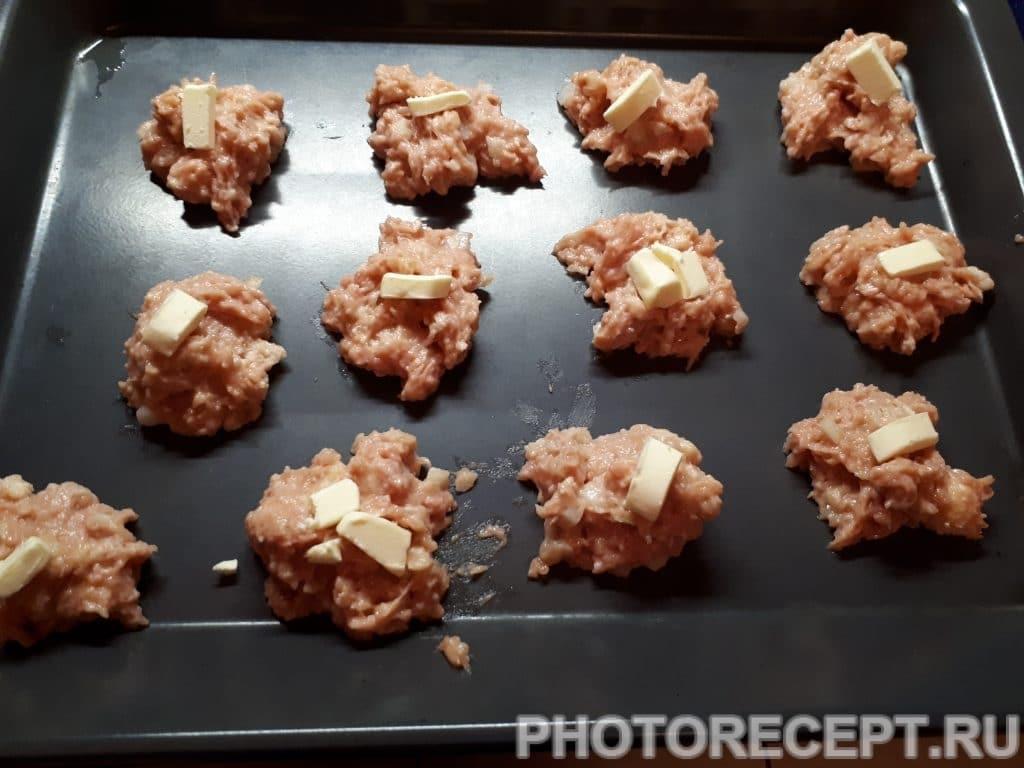Фото рецепта - Куриные котлеты в духовке - шаг 4