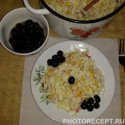 Салат с кукурузой и грибами - рецепт с фото