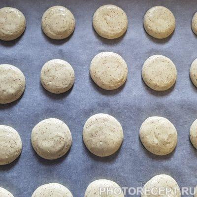 Фото рецепта - Печенье-безе макарон с лимонным курдом - шаг 4