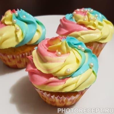 Фото рецепта - Праздничные кексы — капкейки - шаг 5