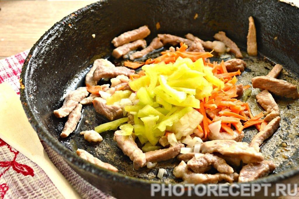 Фото рецепта - Рис со свининой на сковороде - шаг 3