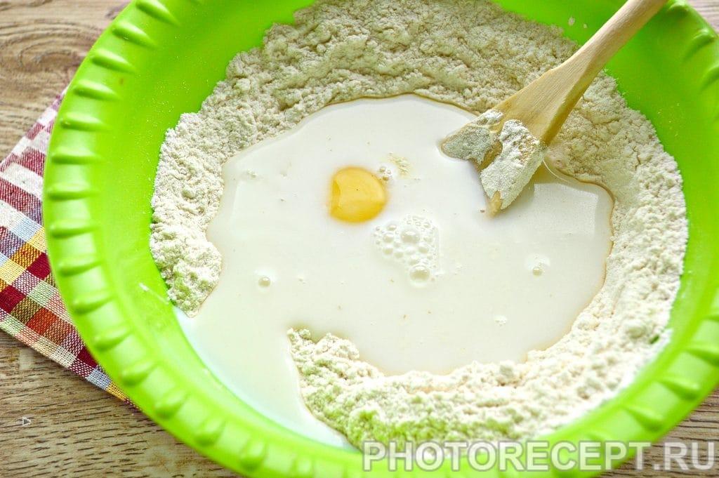 Фото рецепта - Жареные пирожки с капустой - шаг 3