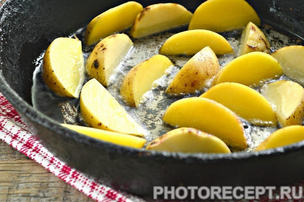 Фото рецепта - Картофель по-деревенски со специями - шаг 3