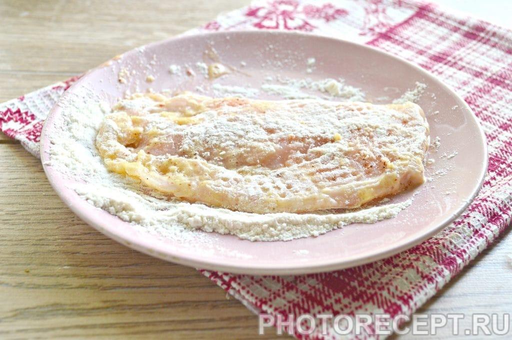 Фото рецепта - Отбивные из куриной грудки на сковороде - шаг 5