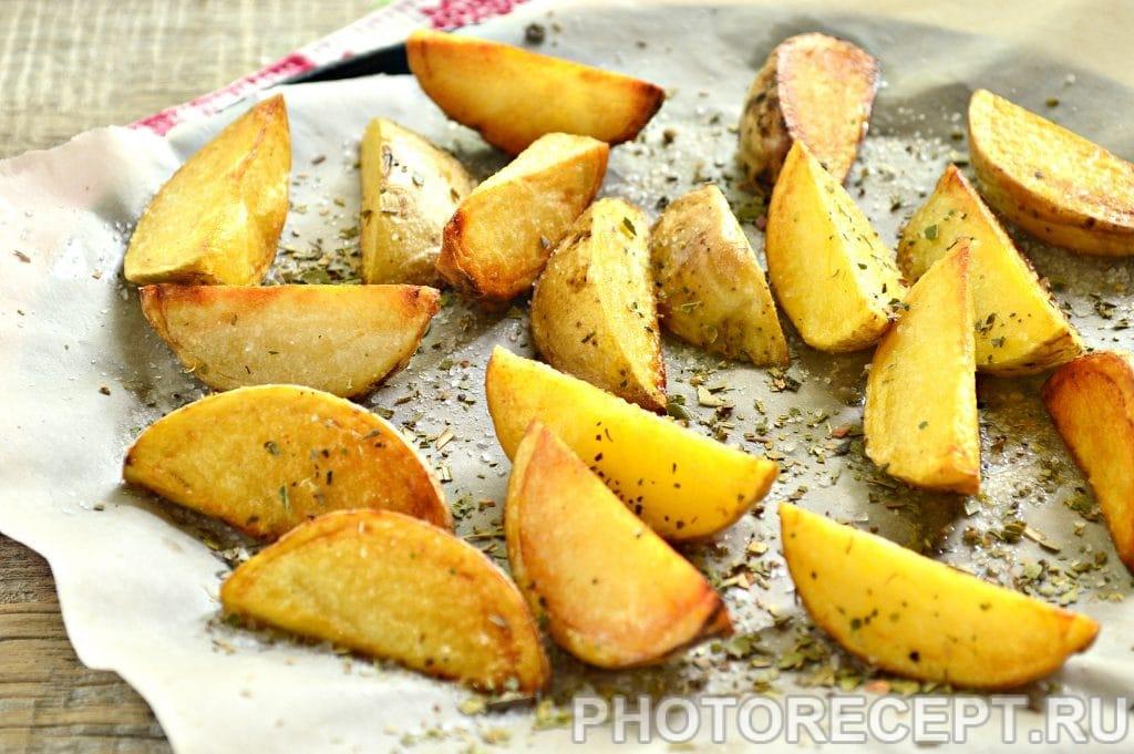 Фото рецепта - Картофель по-деревенски со специями - шаг 5