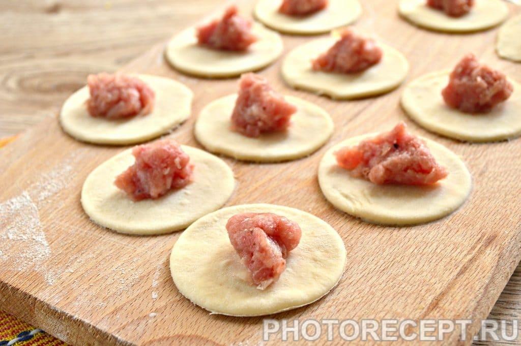 Фото рецепта - Домашние пельмени с мясным фаршем - шаг 6