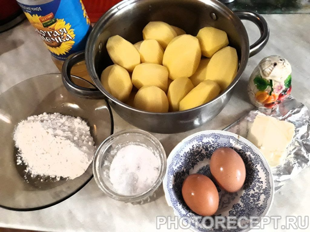 Фото рецепта - Жаренные картофельные котлеты - шаг 1
