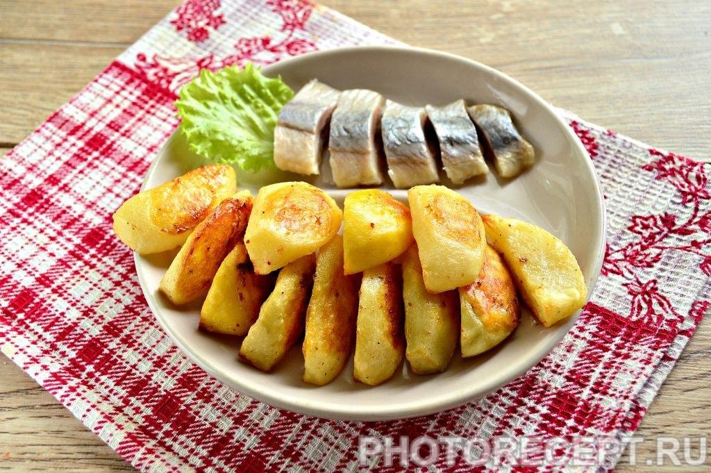 Фото рецепта - Запеченная картошка в духовке с майонезом - шаг 8