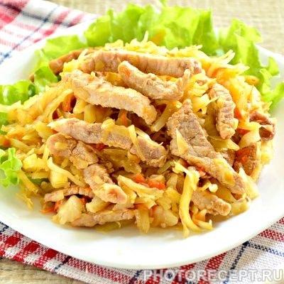 Свинина тушеная с капустой - рецепт с фото