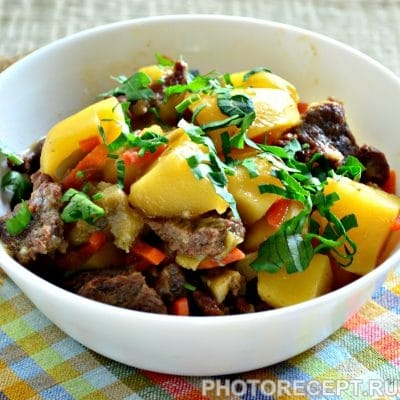 Тушеная картошка с баклажанами и говядиной - рецепт с фото