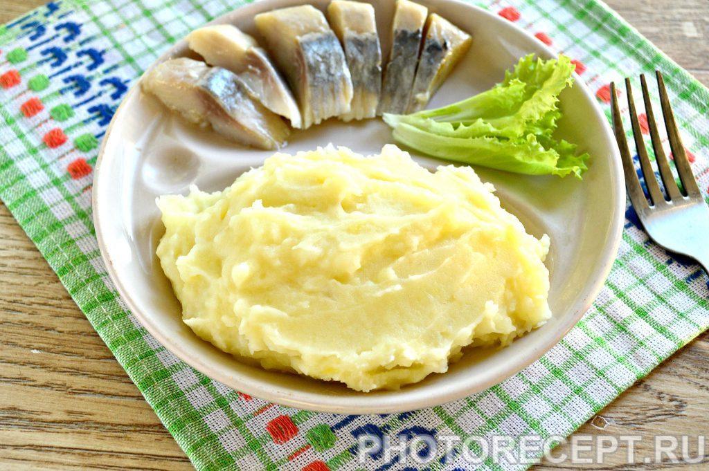 Фото рецепта - Картофельное пюре с молоком и сливочным маслом - шаг 8