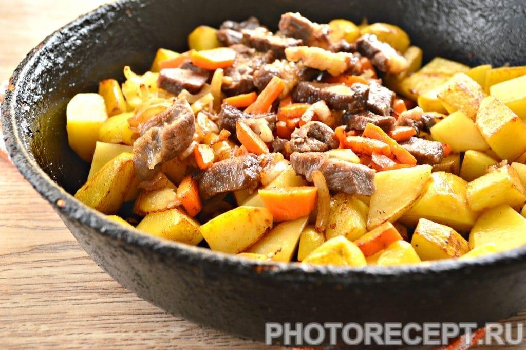 Фото рецепта - Жаркое по-домашнему с говядиной - шаг 8