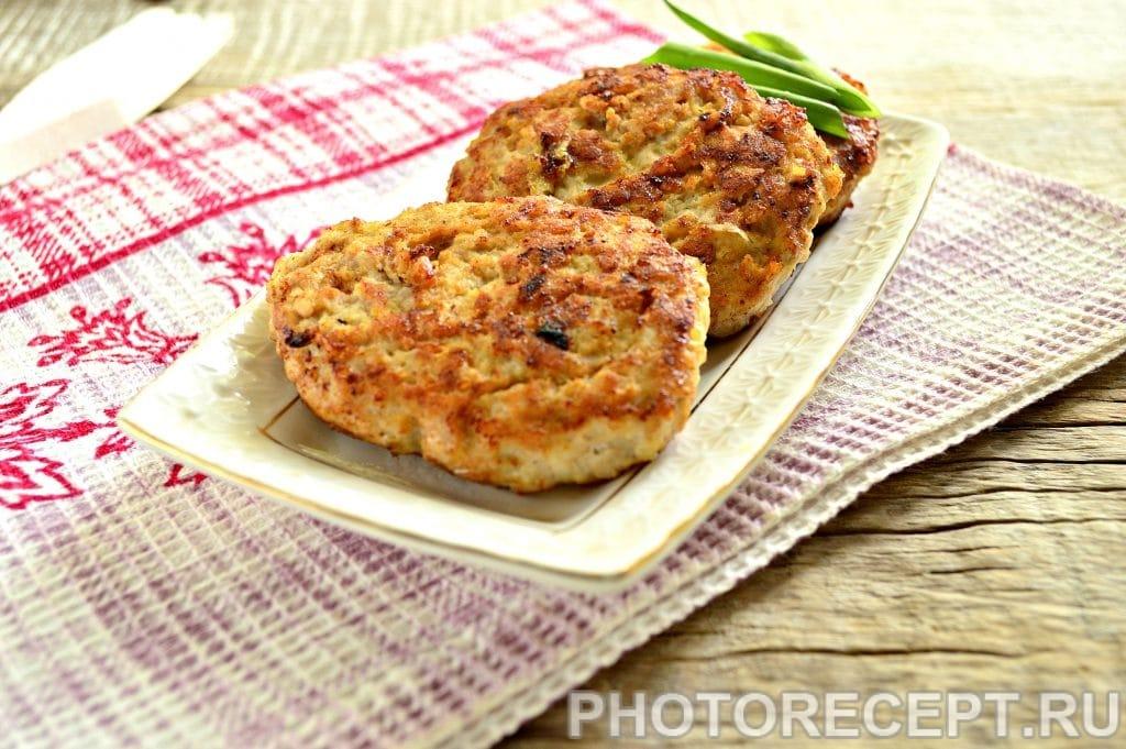 Фото рецепта - Бифштекс из свинины на сковороде - шаг 8