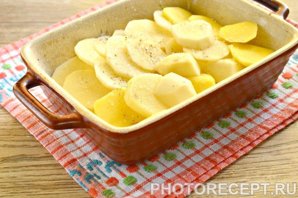 Фото рецепта - Картофельная запеканка с сыром и майонезом - шаг 9