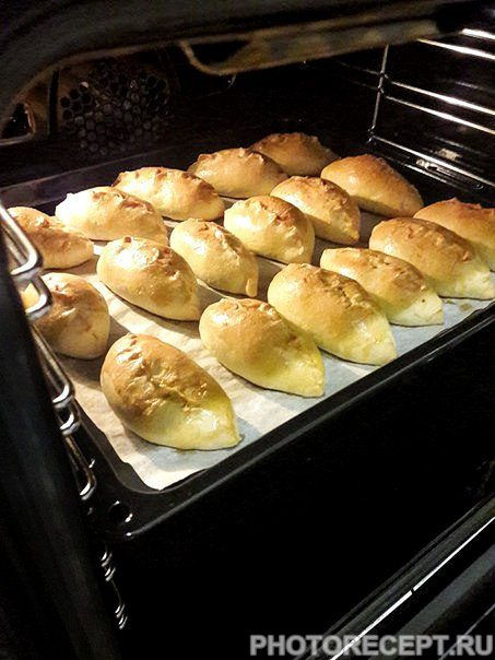 Фото рецепта - Пирожки с капустой - шаг 11