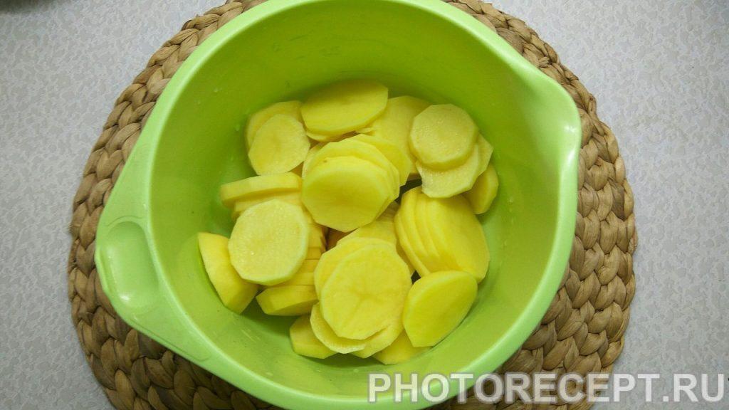 Фото рецепта - Ароматная курица с картошкой в духовке - шаг 3