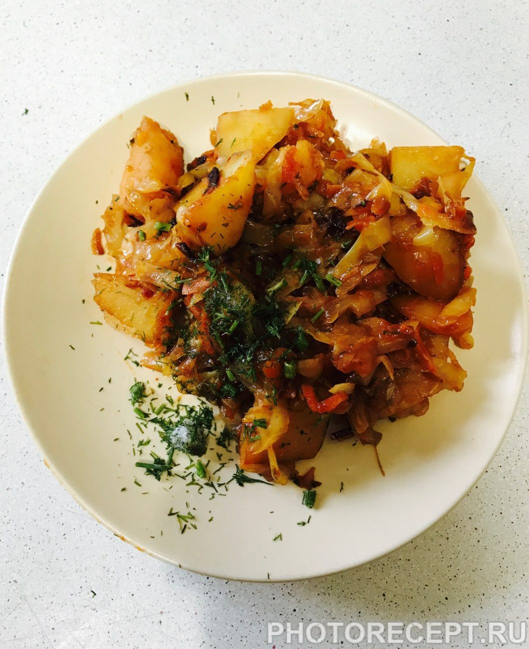 Тушеная капуста в сковороде с картошкой рецепт пошагово в