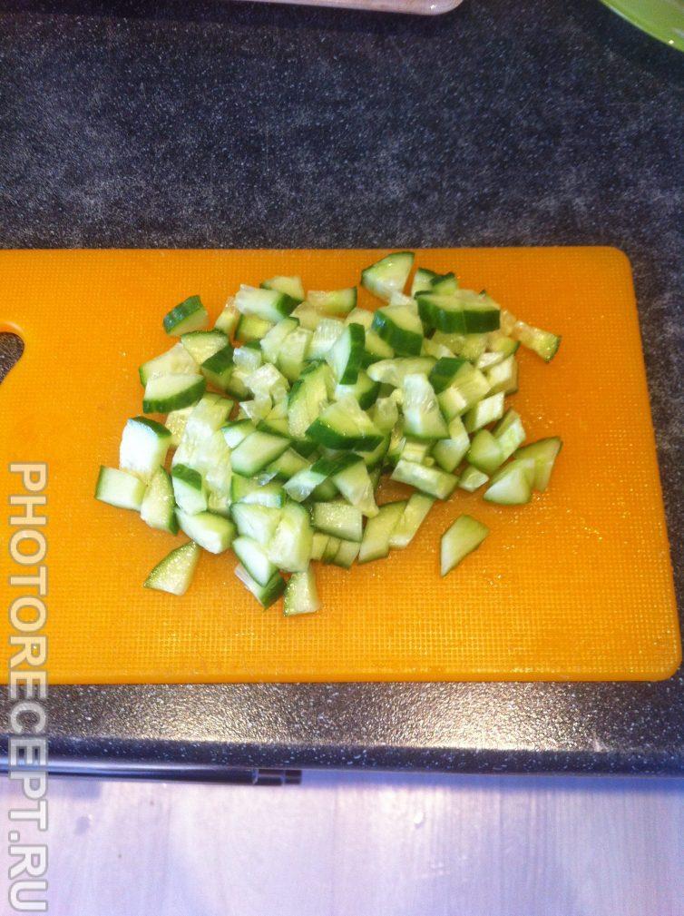 Фото рецепта - Салат «Оливье» с копченой колбасой - шаг 3
