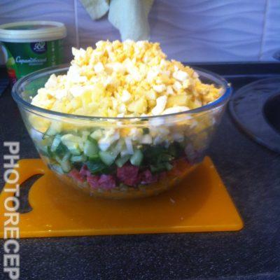 Фото рецепта - Салат «Оливье» с копченой колбасой - шаг 6