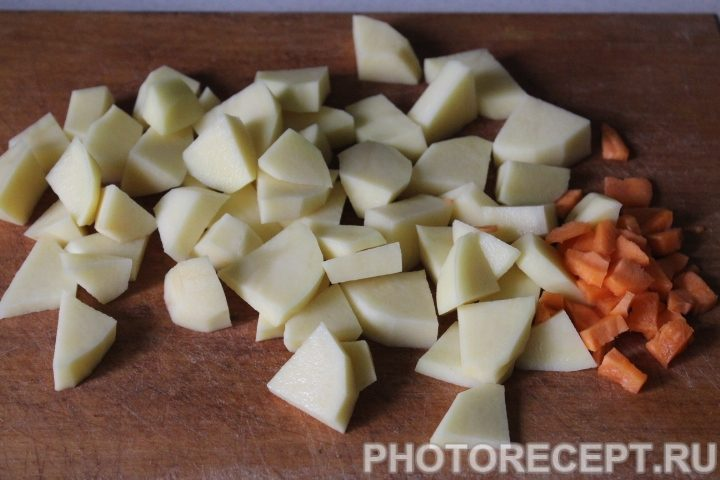 Фото рецепта - Суп с нежными куриными фрикадельками - шаг 2