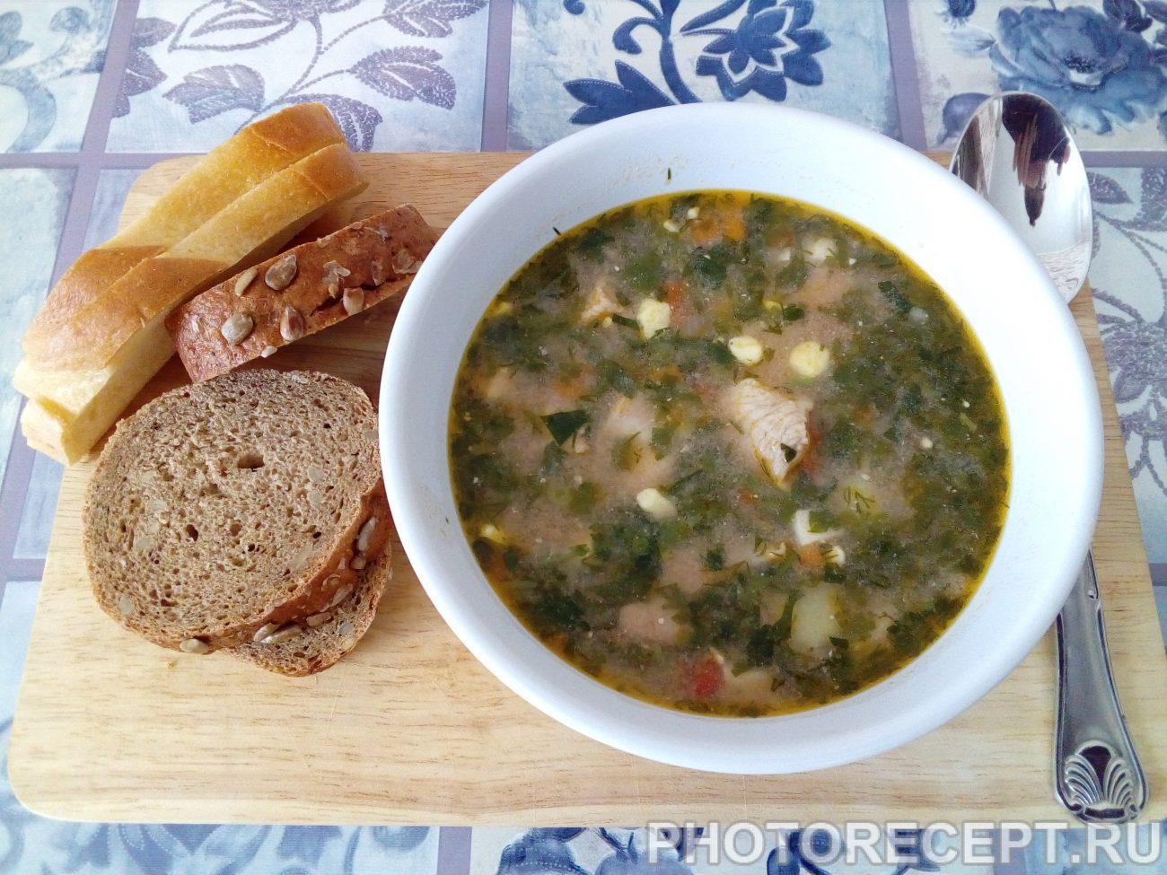 Зеленый борщ – блюдо, которое холодной осенью напоминает о теплом лете