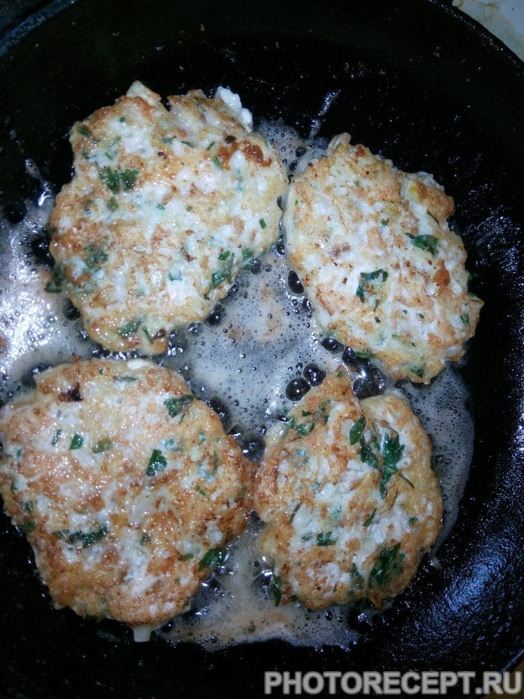 Фото рецепта - Куриные котлеты из фарша - шаг 6