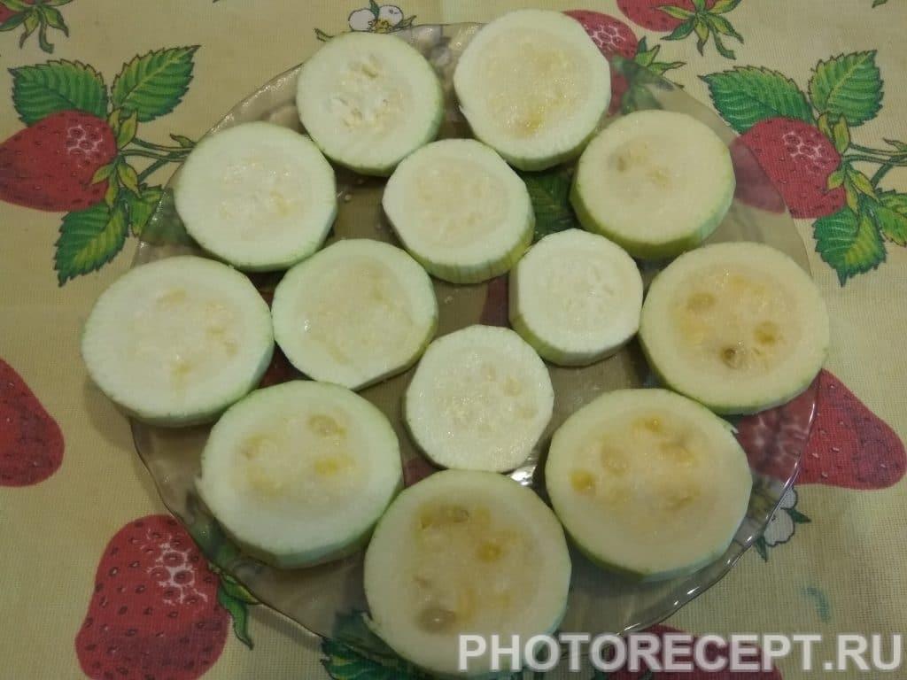 Фото рецепта - Горячая закуска из кабачков - шаг 4