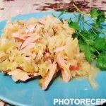 Бигус из свежей капусты с колбасой и мятой