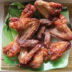 Куриные крылышки в медовом соусе с кунжутом