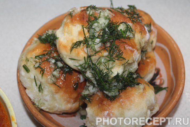 Фото рецепта - Красный борщ с пампушками - шаг 22