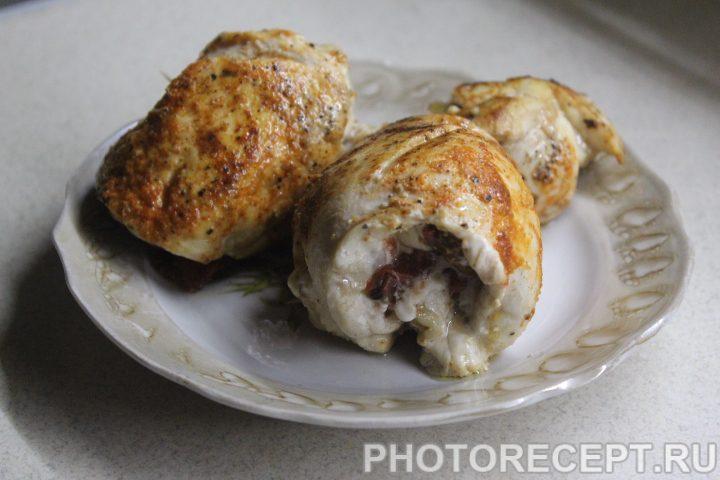 Фото рецепта - Курица на сковороде с вялеными томатами - шаг 8
