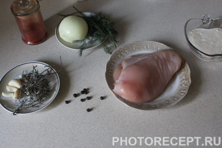Фото рецепта - Пряная куриная грудка, тушеная в сметане - шаг 1