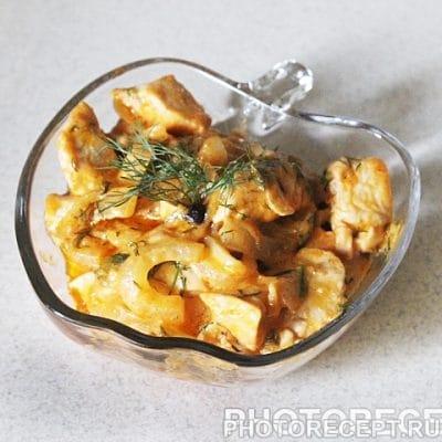 Пряная куриная грудка, тушеная в сметане - рецепт с фото