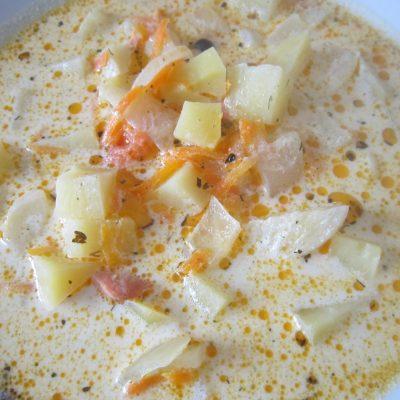Рыбно-сливочный суп с сёмгой - рецепт с фото