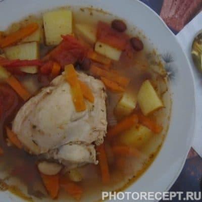 Фото рецепта - Фасолевый суп с томатами и курицей - шаг 5