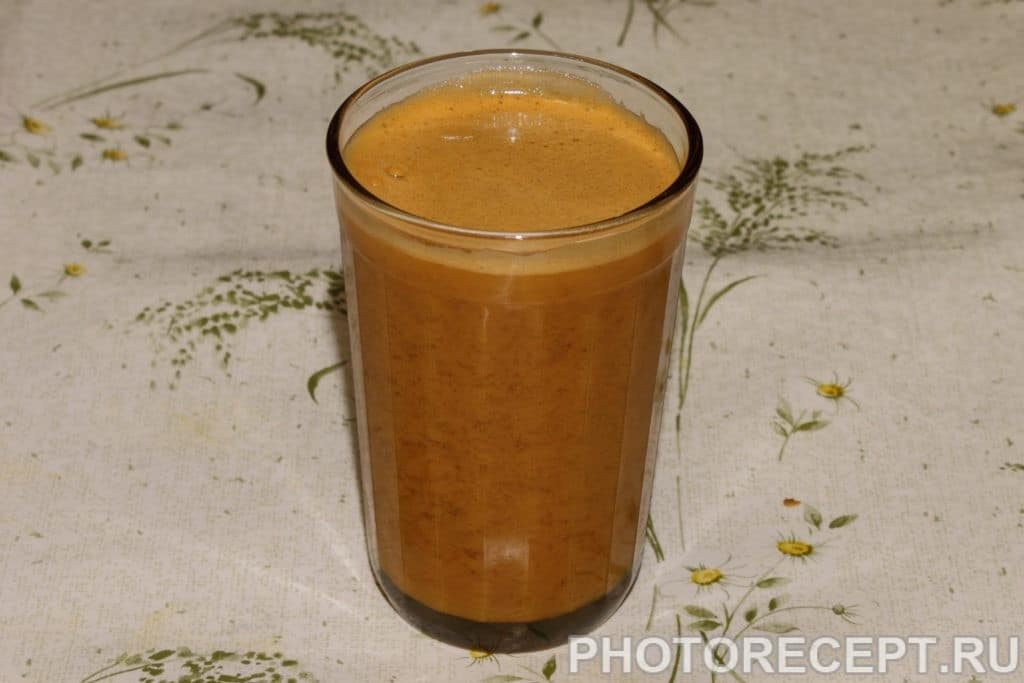 Фото рецепта - Сок морковно-яблочный с мякотью - шаг 3
