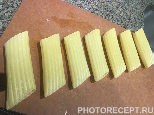Фото рецепта - Фаршированные маникотти в томатном соусе - шаг 4