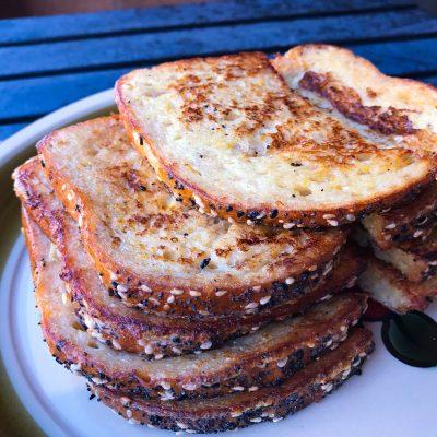 Гренки из злакового хлеба - рецепт с фото