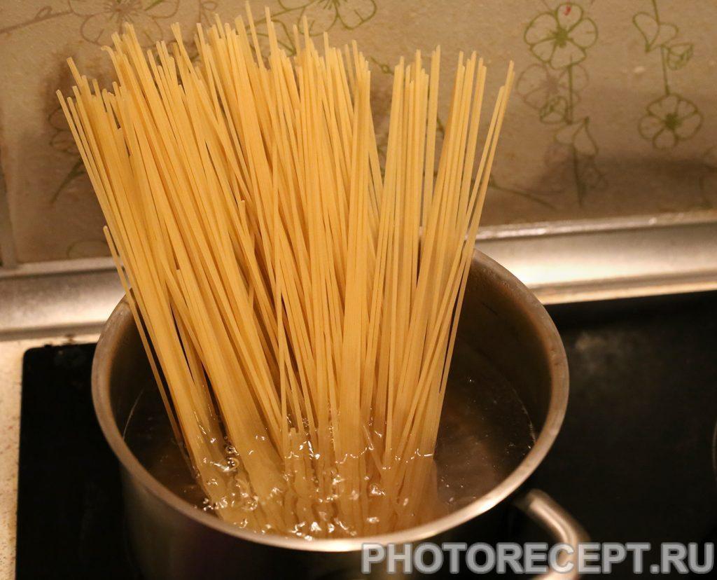 Фото рецепта - Спагетти с мясным соусом - шаг 2