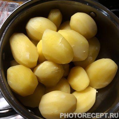 Фото рецепта - Жаренные картофельные котлеты - шаг 3