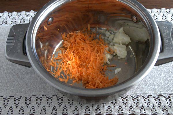 Фото рецепта - Борщ без капусты с корнеплодами и щавелем - шаг 1