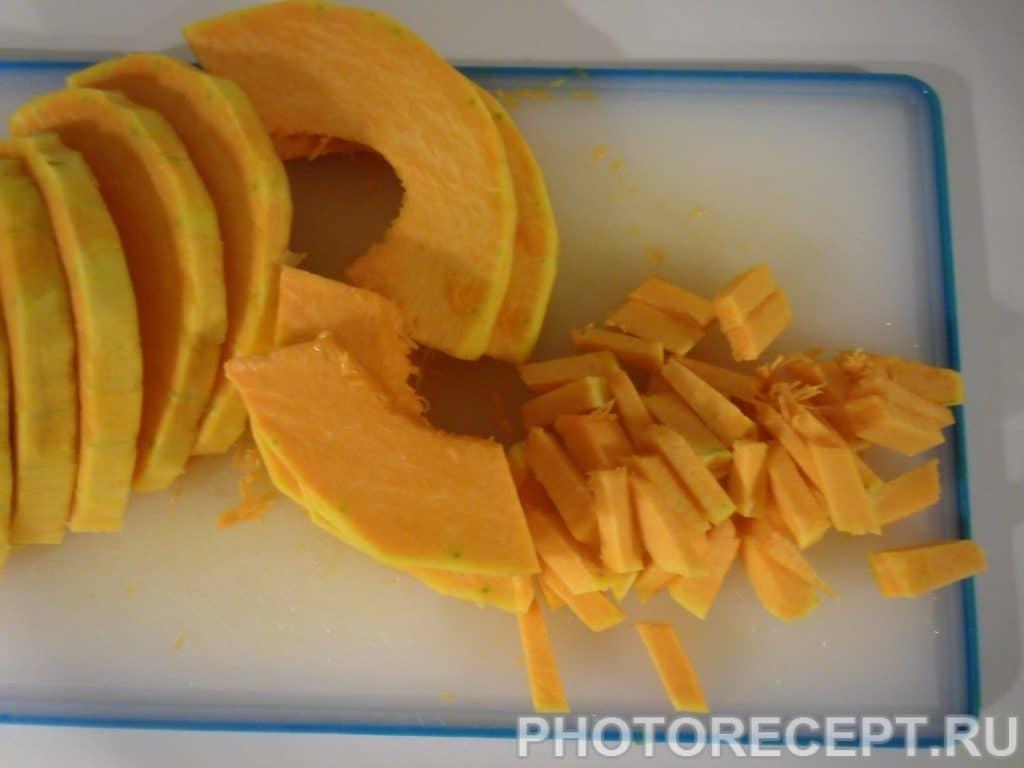 Фото рецепта - Кукурузная каша с печенной тыквой и айвой - шаг 1