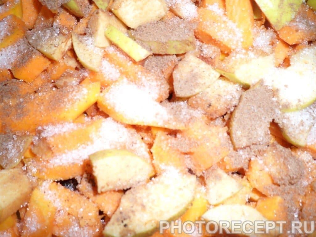 Фото рецепта - Кукурузная каша с печенной тыквой и айвой - шаг 2