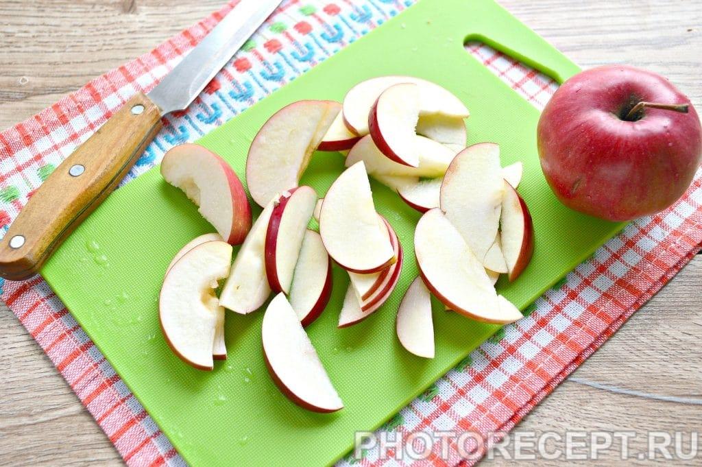 Фото рецепта - Компот из свежих яблок - шаг 1