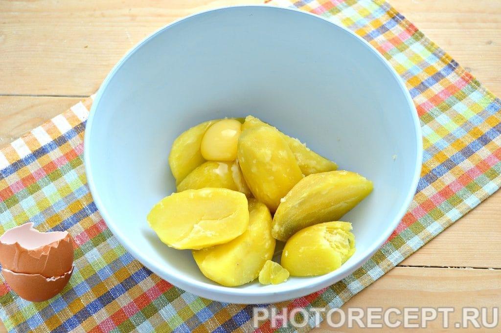 Фото рецепта - Картофельные котлеты в панировке - шаг 2