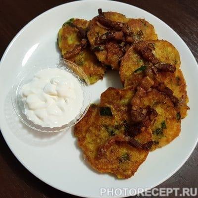 Фото рецепта - Драники со шпинатом по-украински - шаг 6