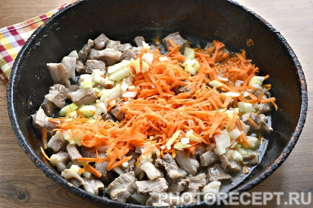 Фото рецепта - Рис с мясом на сковороде - шаг 3